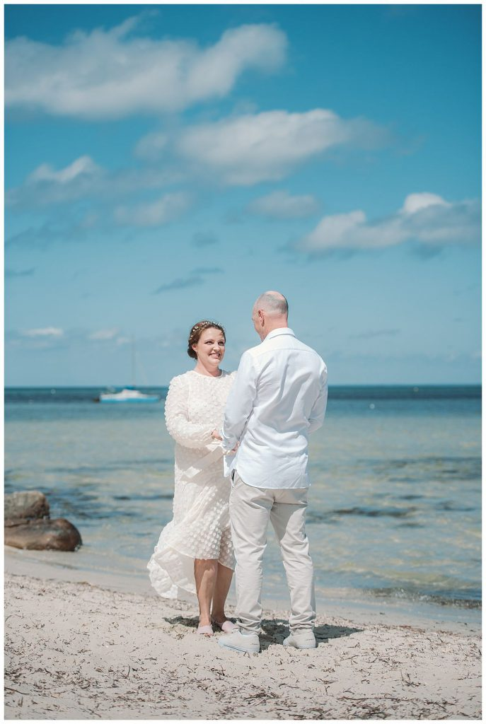 midday-beach-ceremony-photo