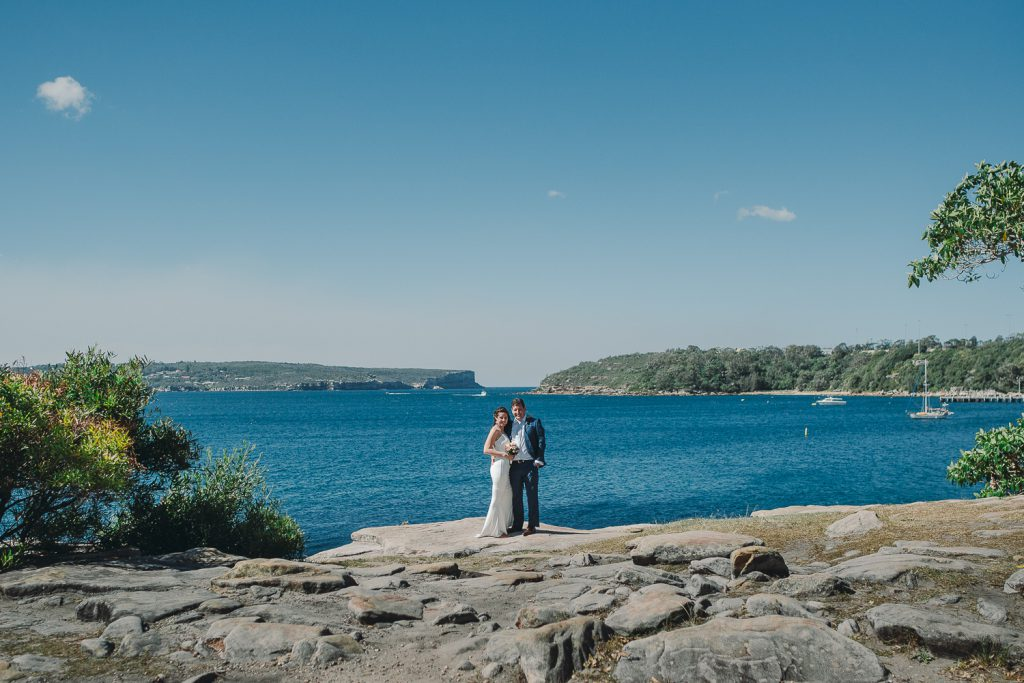 Hsban-and-wife-wedding-photo-in-balmoral-Beach-sydney-harbour-view-photo