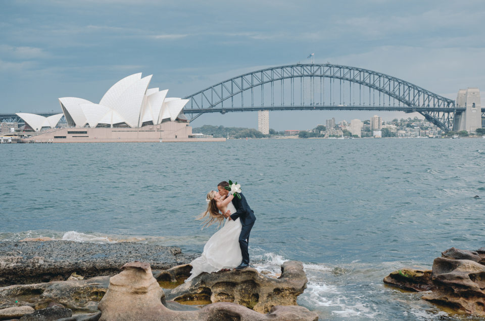 lady-macquarie-chair-wedding-portrait-photo