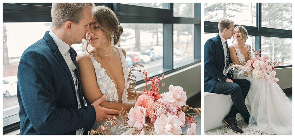 photo-bride-groom-first-kiss-sydney-destination-wedding