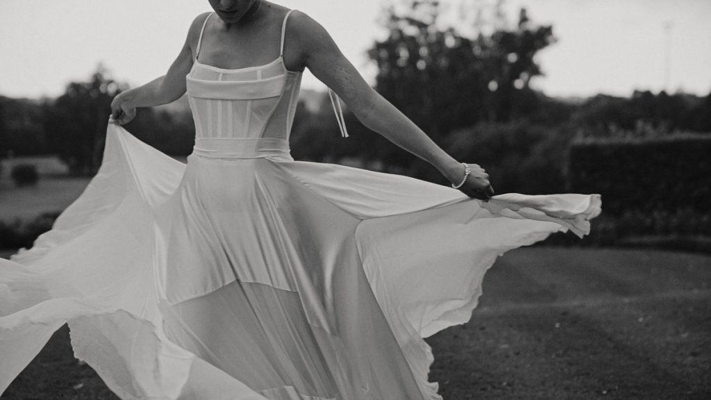 bride-dances-in-white-silk-dress-video