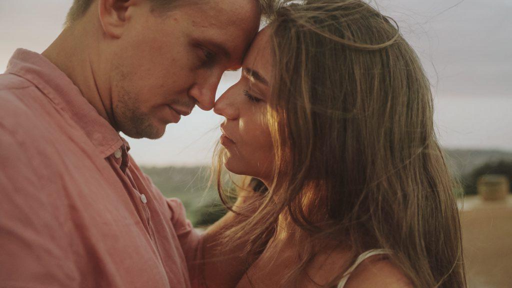 sunset-kiss-sydney-destination-wedding-video