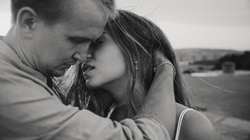 sunset-kiss-sydney-destination-wedding-cinema