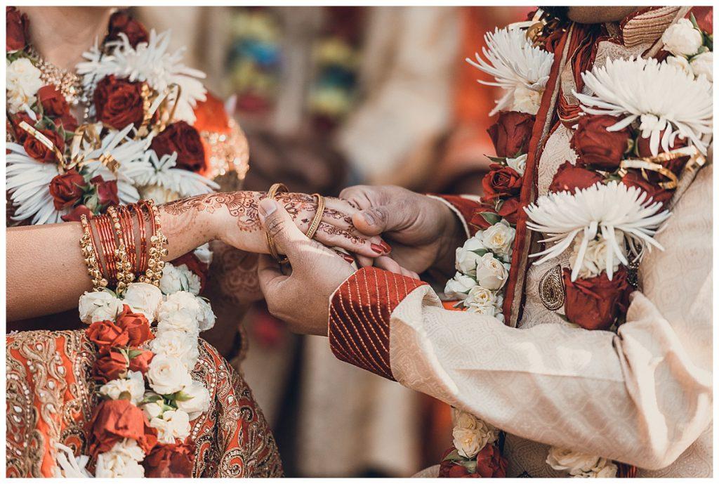 wedding-bangles-gift-photo