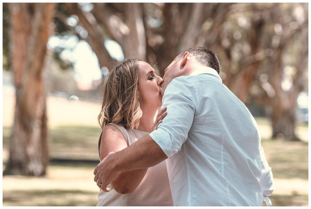 first-kiss-sydney-wedding-photo