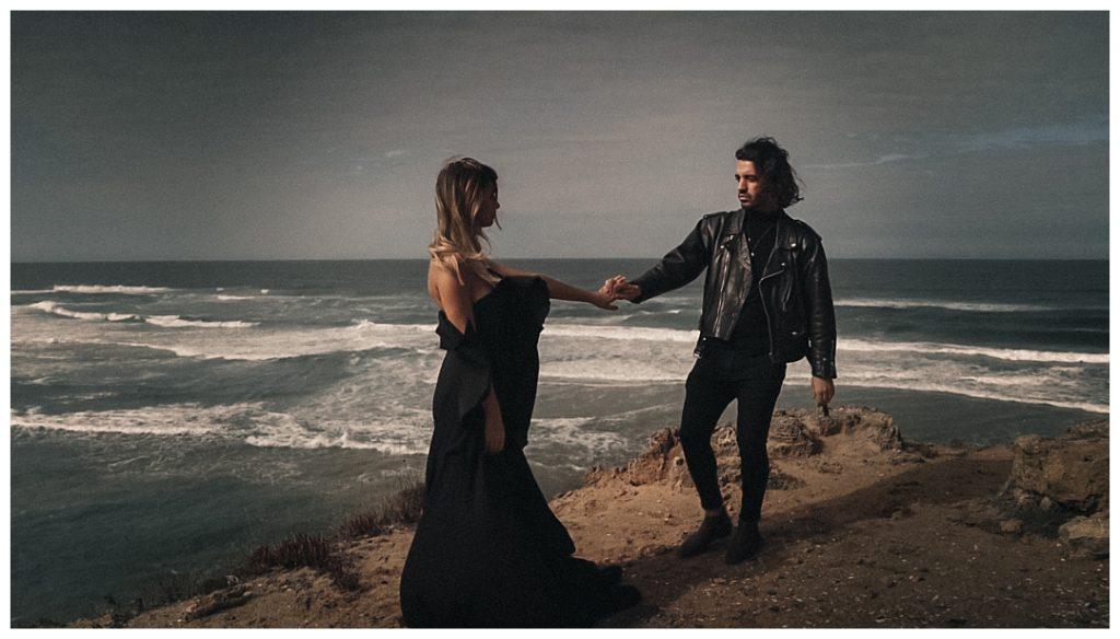 pre-wedding-photoshoot-on-the-cliffs