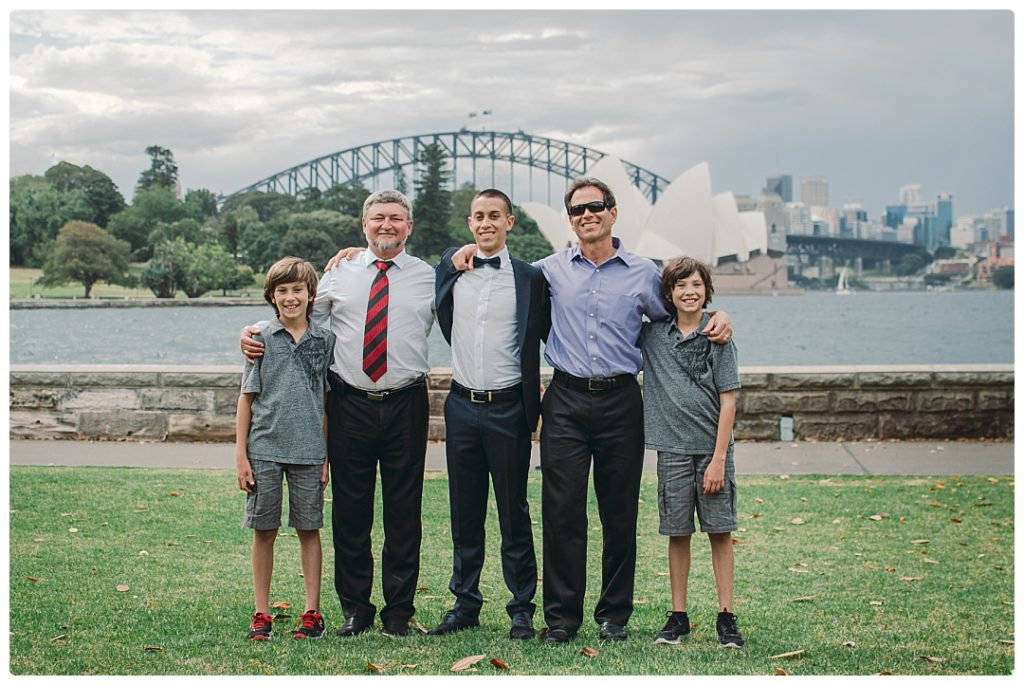 groom-with-his-best-men-photo