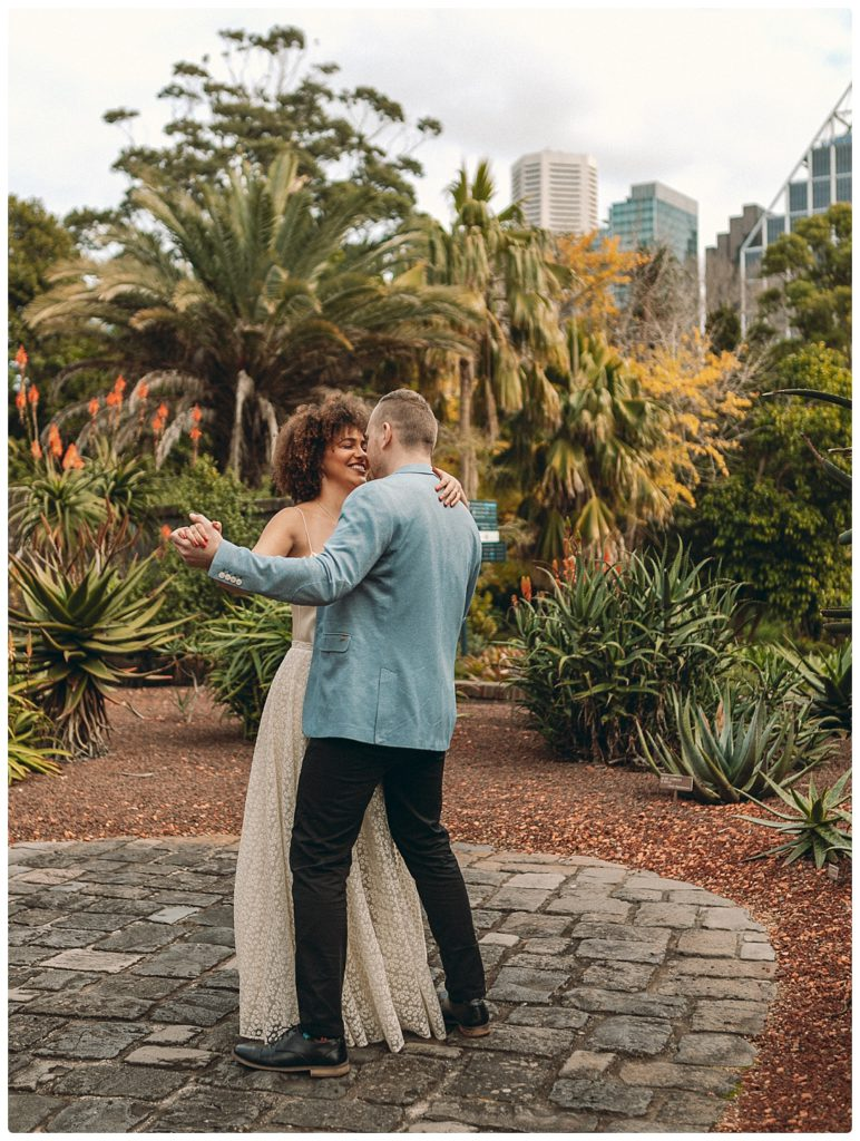 dance-toghether-wedding-photo