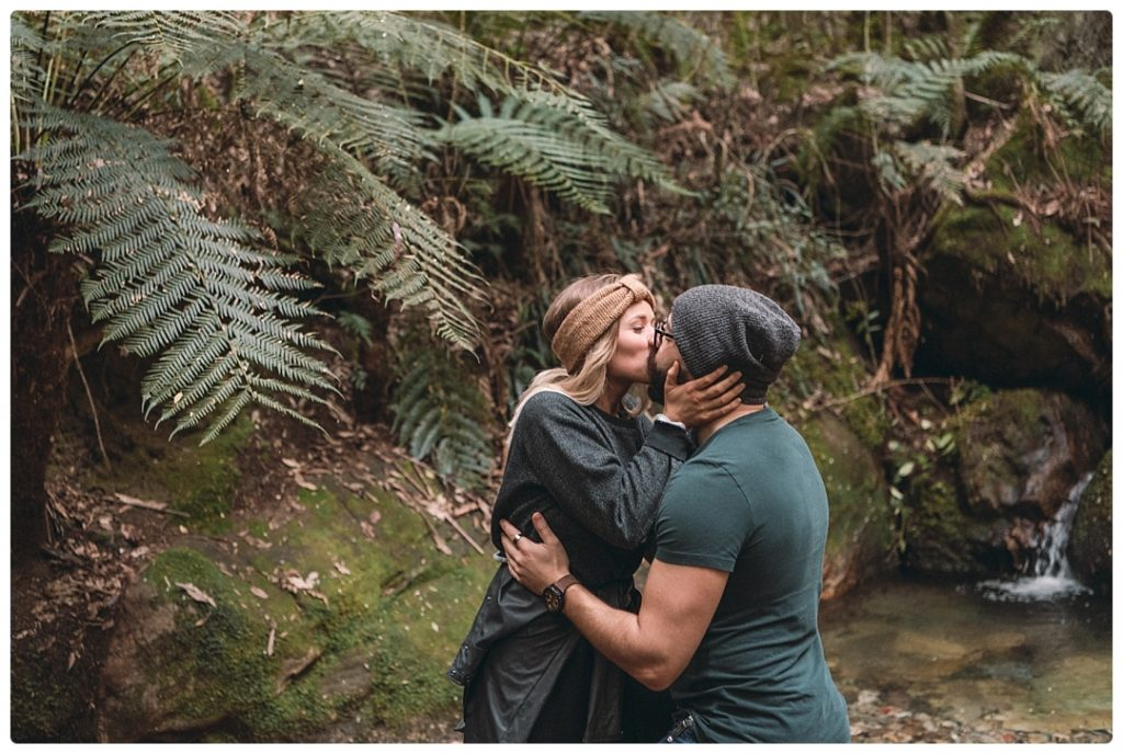 love-story-photo-in-rainforest
